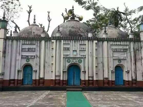 শত বছরের ঐতিহ্য লুধুয়া ভূঁইয়া বাড়ি মসজিদ
