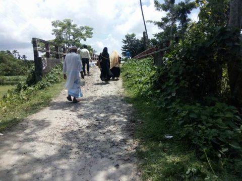 রায়পুরের ব্রিজটিতে যানবাহন চলতে পারে না যে কারণে