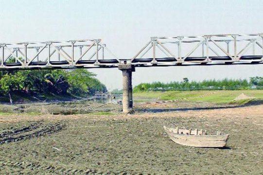 মরতে বসেছে ভুলুয়া নদী