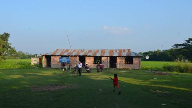 লক্ষ্মীপুরের অন্ধকার গ্রাম আন্দারমানিকের একমাত্র বিদ্যালয়টির জাতীয়করণ চায় গ্রামবাসী