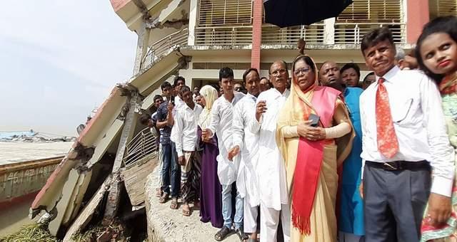 কমলনগর-রামগতির নদীর তীর রক্ষা বাঁধ নির্মাণে কাজ করবে সরকার: লাইলী