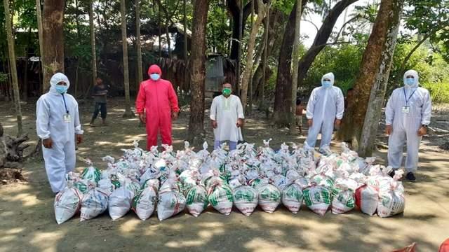 """করোনায় লক্ষ্মীপুরের আলোচিত যত সামাজিক সংগঠন: ২৭শ পরিবারে খাদ্য দিয়েছে """"স্বপ্ন নিয়ে"""""""