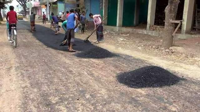 লক্ষ্মীপুর | তোরাবগঞ্জ-মতিরহাট রাস্তাটি সড়ক ও জনপথ বিভাগে হস্তান্তরের জন্য পত্র