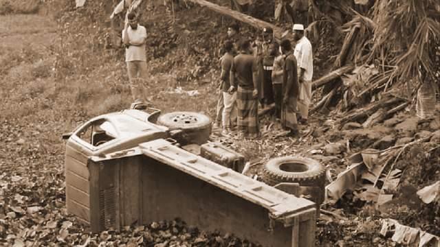 লক্ষ্মীপূরে পিকআপ ভ্যান গায়ে পড়ে মা-মেয়েসহ ৩ জনের মৃত্যু