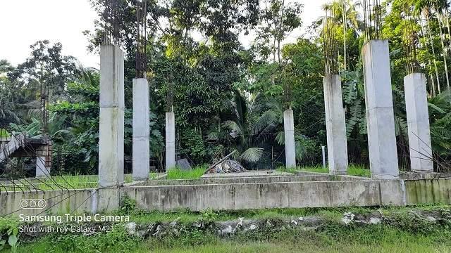 নাভানা কনস্ট্রাকশনের গাফিলতি: লক্ষ্মীপুরে ১৬০ কোটি টাকার সাইক্লোন সেন্টার নির্মাণ অনিশ্চিত