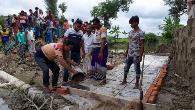 ভবানীগঞ্জে পাঁচ গ্রামের মানুষের জন্য ব্যক্তি উদ্যোগে কালভার্ট নির্মাণ